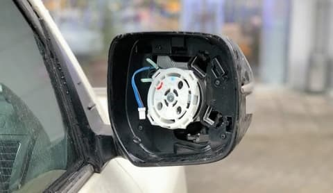 В Новом южном пострадали авто