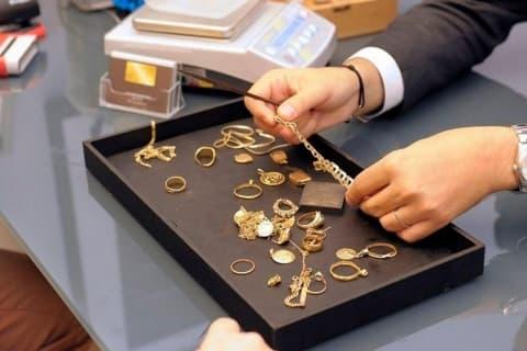 Минфин повысил цены на скупку золота и платины у населения