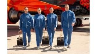 Бортпроводники «Белавиа» переобулись в лидские кеды