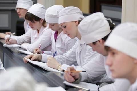 Белорусским медикам ординатуру поменяют на резидентуру