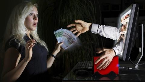 Осторожно! Новая схема обмана!Мошенники говорят, что звонят из банка, потом«переобуваются» –представляются следователями, милиционерами…