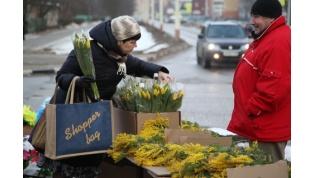 Площадку для торговли цветами к 8 Марта в этом году перенесут в другое место
