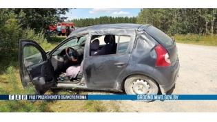 Под Островцом опрокинулся автомобиль. Погибла женщина